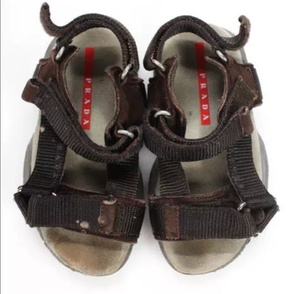 Kid's Prada sport shoes w/authenticity card & box